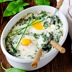 Рис, запеченный со шпинатом, творогом и яйцами