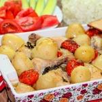 Курица с базиликом и томатами