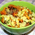 Салат картофельно-грибной со шкварками
