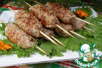 Рецепт: Кебабы с креветками, беконом и щавелем