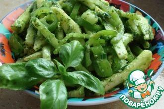 Рецепт: Салат из огурцов Изумрудный