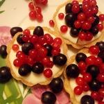 Пирожное корзиночки Красное и Чёрное