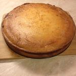 Заливной творожный пирог с вишней