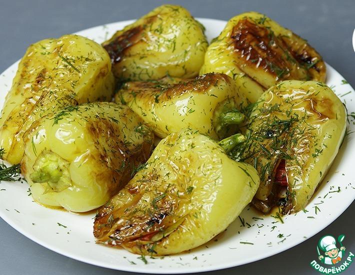 Рецепт: Жареный перец с чесноком и помидорами
