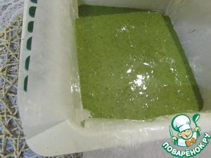 Вылить тесто в форму и отправить в разогретую духовку (180 градусов). Выпекать 12-15 минут.