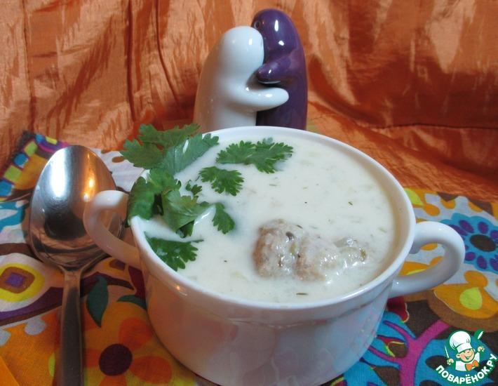 Рецепт: Сырный суп с индюшино-грибными фрикадельками