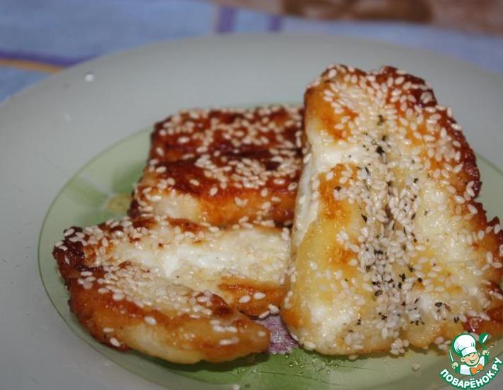 Рецепт: Халуми с кунжутом в чесночном масле