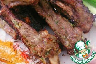 Рецепт: Шашлык из говяжьих ребрышек в пряном маринаде