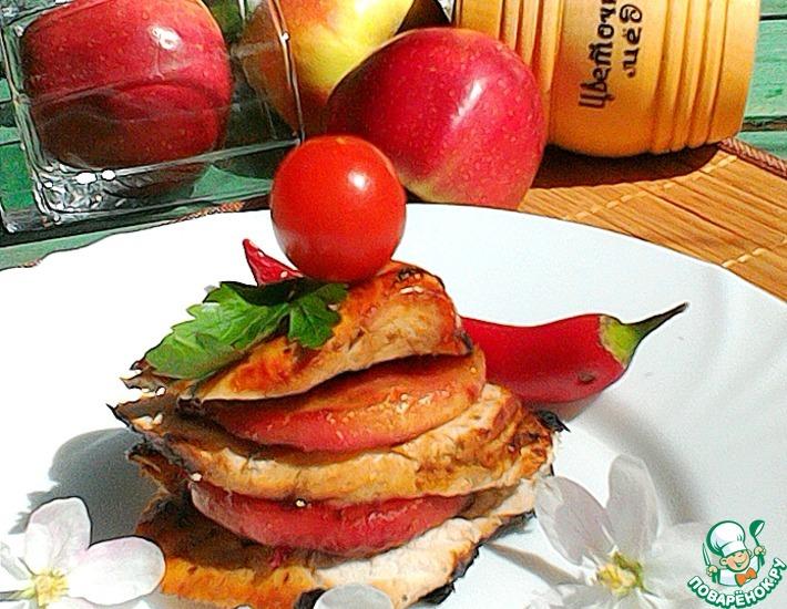 Рецепт: Грудка с карамелизированными яблоками и клюквой