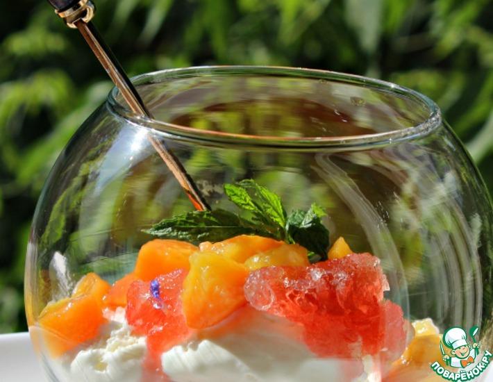 Рецепт: Летние десерты из необычно пошированных персиков