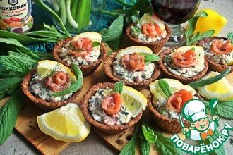 Рецепт: Хлебные корзиночки с сырно-рыбной начинкой