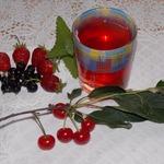 Компот из ягод с мелиссой