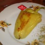 Запечённые перцы, фаршированные пастой и сыром