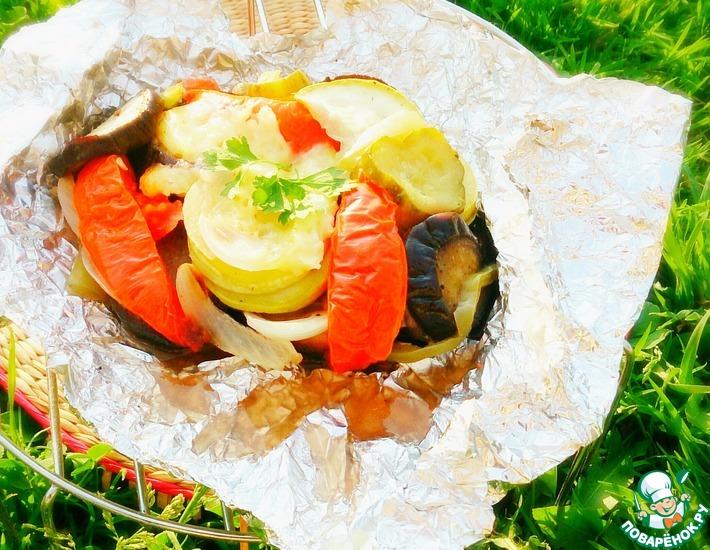 Рецепт: Овощи с сыром, запечённые в фольге