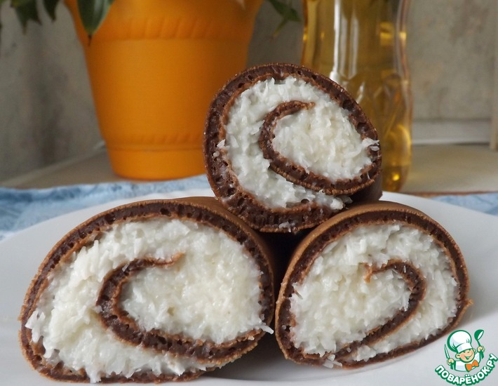 Рецепт: Шоколадные блины с кокосовой начинкой