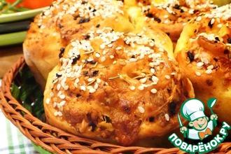 Рецепт: Сырные булочки с томатами и розмарином