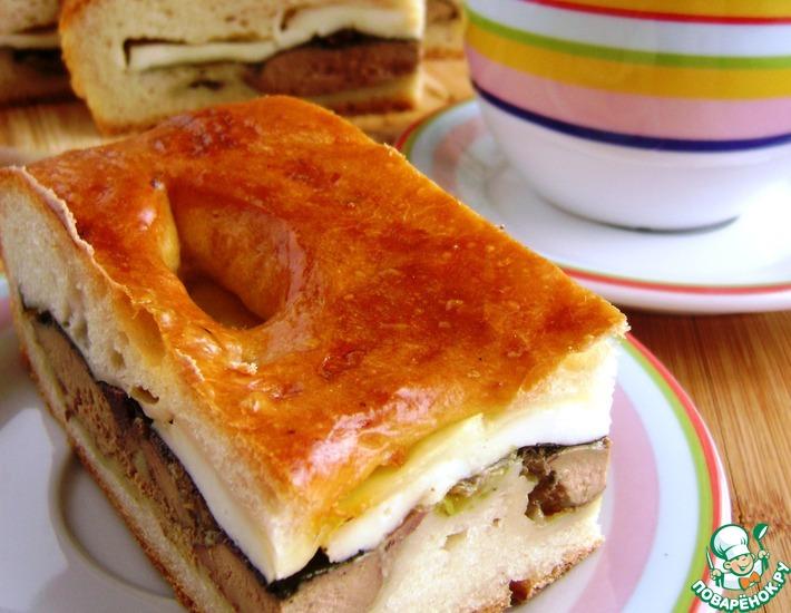 Рецепт: Пирог с печенкой и адыгейским сыром