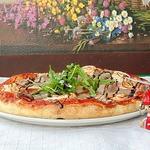 Пицца с ростбифом и креветками