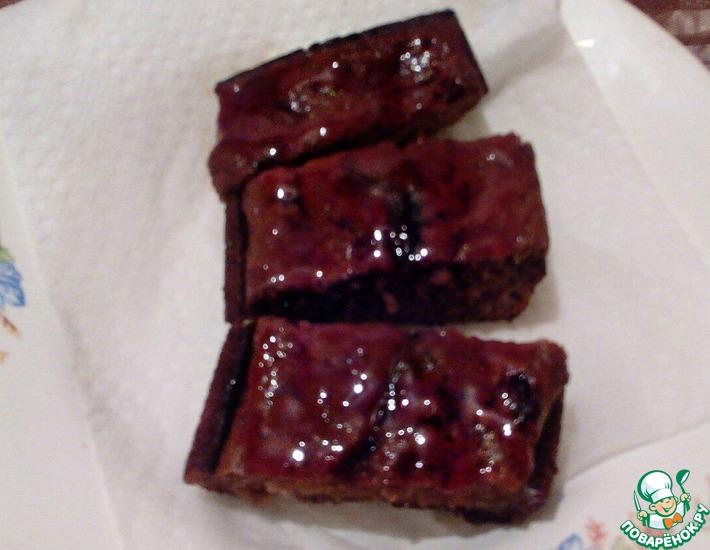 Рецепт: Шоколадный пирог с вареньем