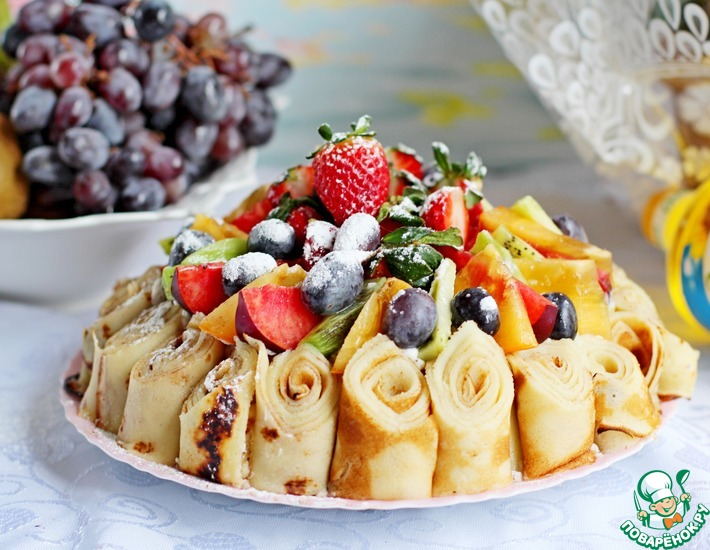 Рецепт: Блинный торт с фруктами
