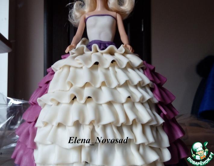 Рецепт: Торт Кукла Барби с рюшами
