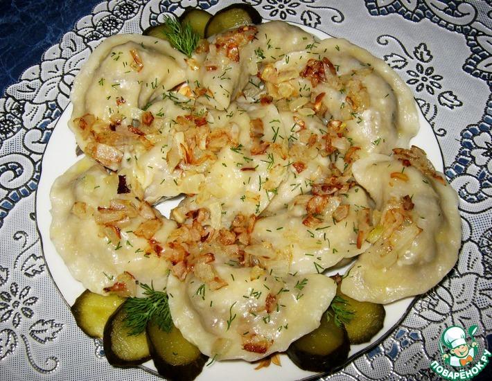 Рецепт: Вареники с картофелем, печенью и грибами