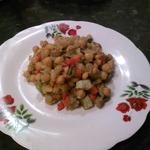Теплый салат Нут с карамелезироваными овощами