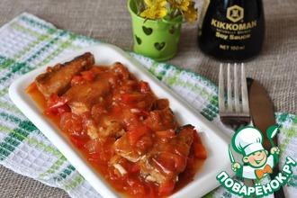 Рецепт: Рыба под пикантным томатным соусом