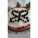 Пирог с замороженной красной смородиной