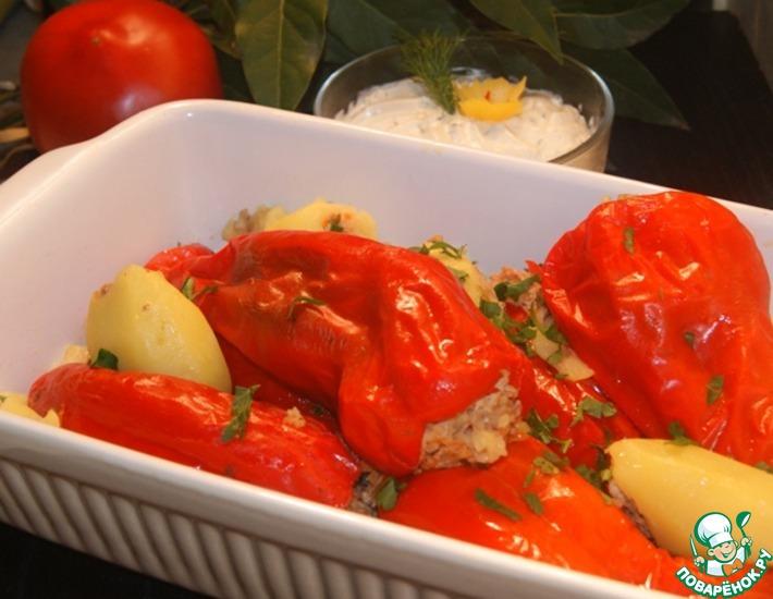 Рецепт: Фаршированный перец с сырно-чесночным кремом