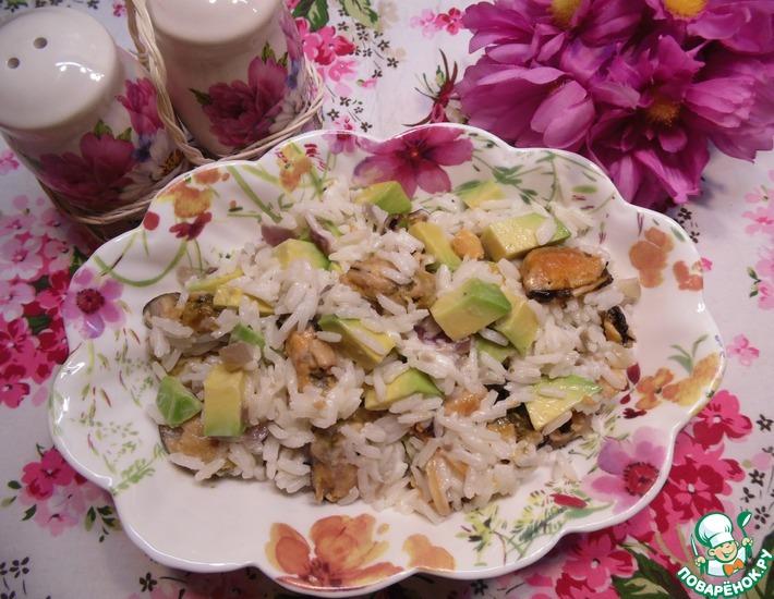 Рецепт: Салат с мидиями и рисом