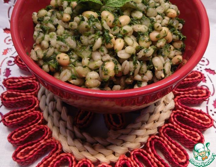 Рецепт: Перловка с фасолью и шпинатом