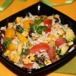 Постный салат с рисом и красной фасолью