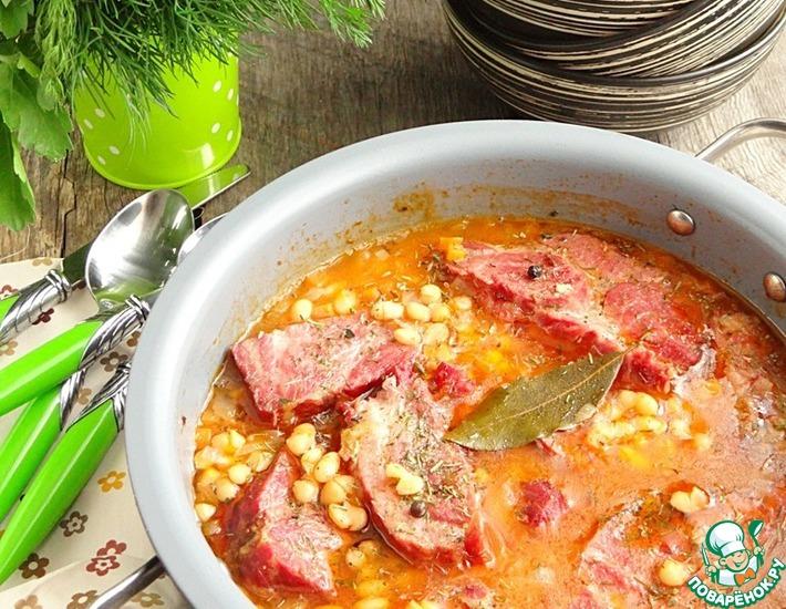 Рецепт: Фасоль с копченой свининой по-румынски