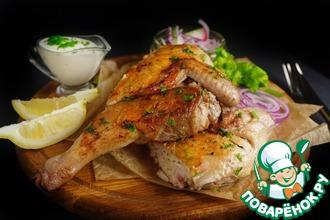 Рецепт: Цыпленок тапака №1 со сметанным соусом