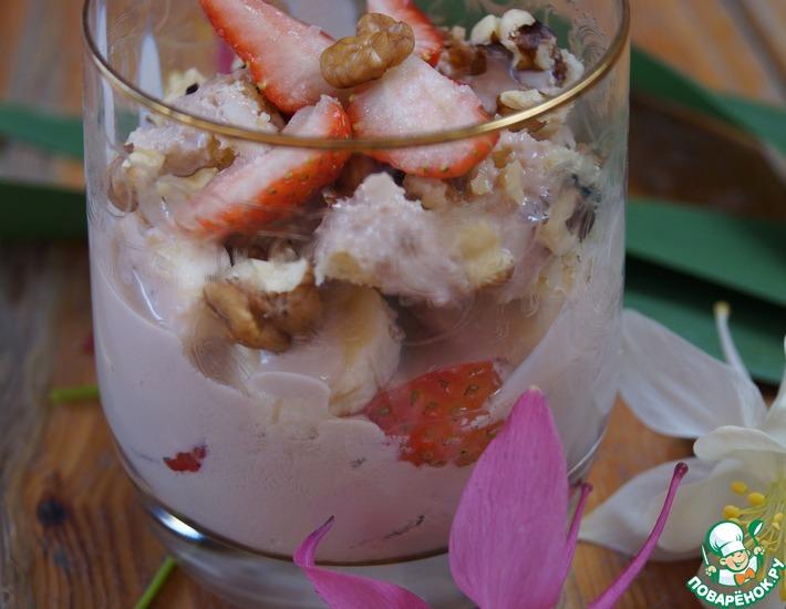 Рецепт: Фруктово-йогуртовый десерт для завтрака