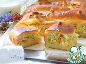 Yeast cake with cabbage