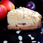 Медовый яблочно-сливовый пирог на сметане