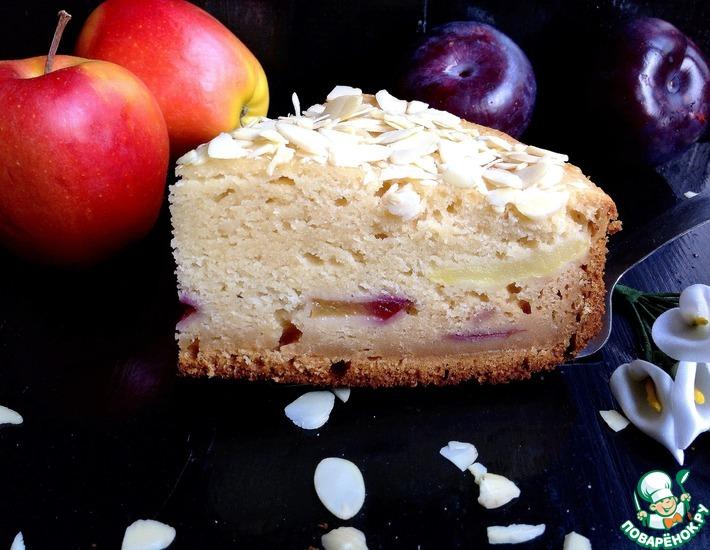 Рецепт: Медовый яблочно-сливовый пирог на сметане