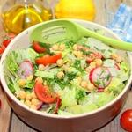 Овощной салат с нутом