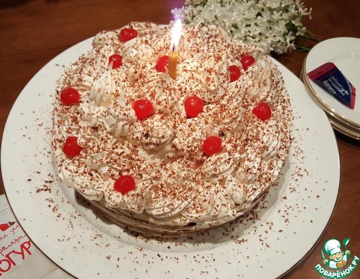 Рецепт: Творожно-черёмуховый торт с йогуртом и меренгой