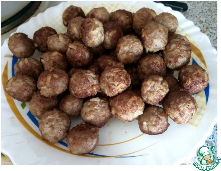 Рецепт: Фрикадельки в сливочно-грибном соусе