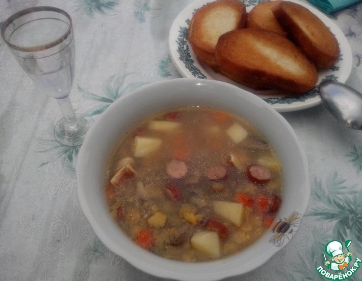 Рецепт: Гороховый суп со свиными ушами