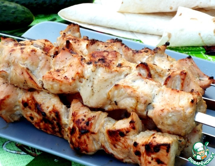 Рецепт: Шашлык из индейки в пикантном маринаде