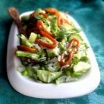Рисовый салат с весенними овощами