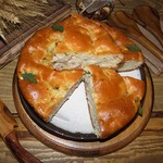Заливной капустный пирог с копченой курицей
