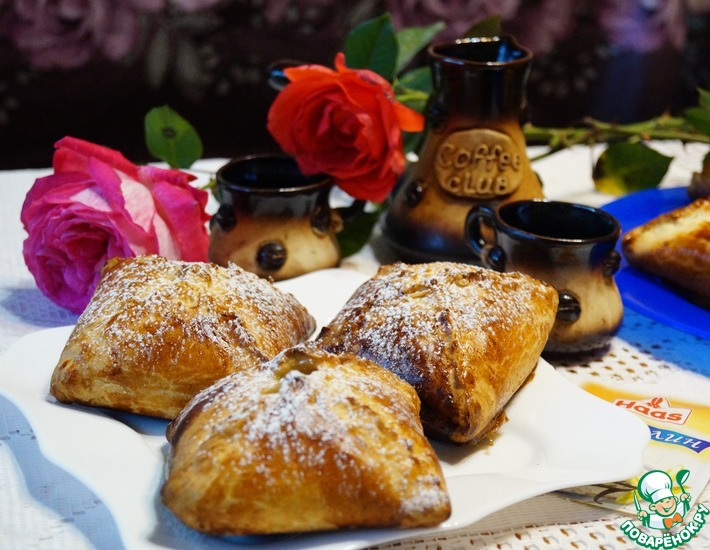 Рецепт: Венгерские ватрушки с карамелизированными грушами