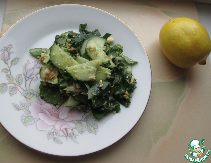 Рецепт: Салат из огурцов и арахиса