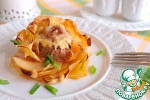 Potato roses with meat balls