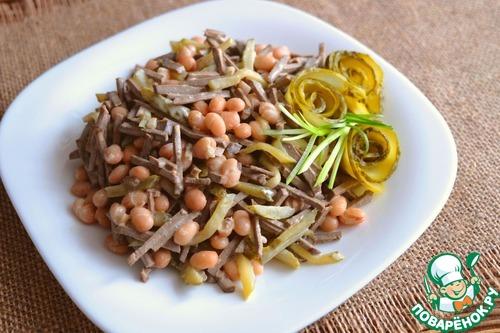 Рецепт Салат с фасолью и печенью